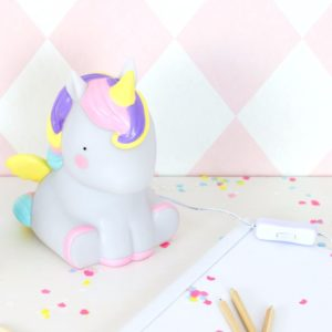 tbun-11-lr_table_light_unicorn_2